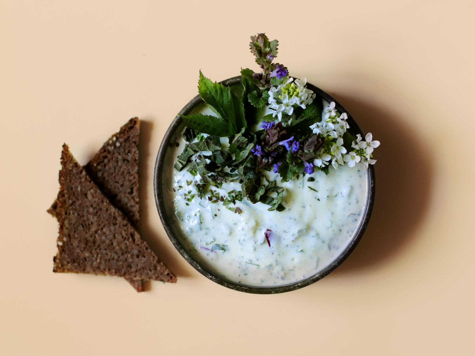 Wildkräuter-Joghurt